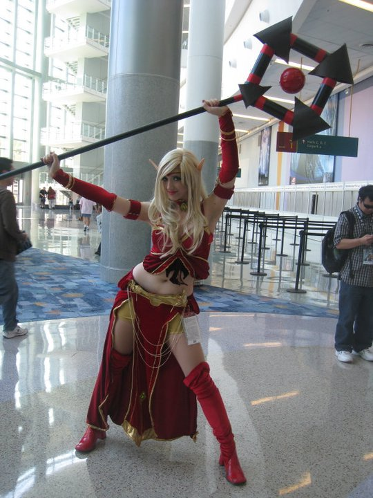 Lindsay as a Blood Elf at BlizzCon 2008