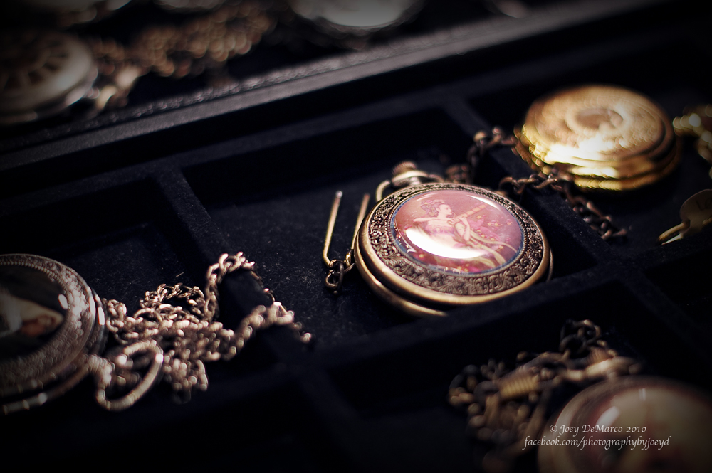 Victorian Pocketwatch at Shore Leave 32, photo by Joey DeMarco (all rights reserved)
